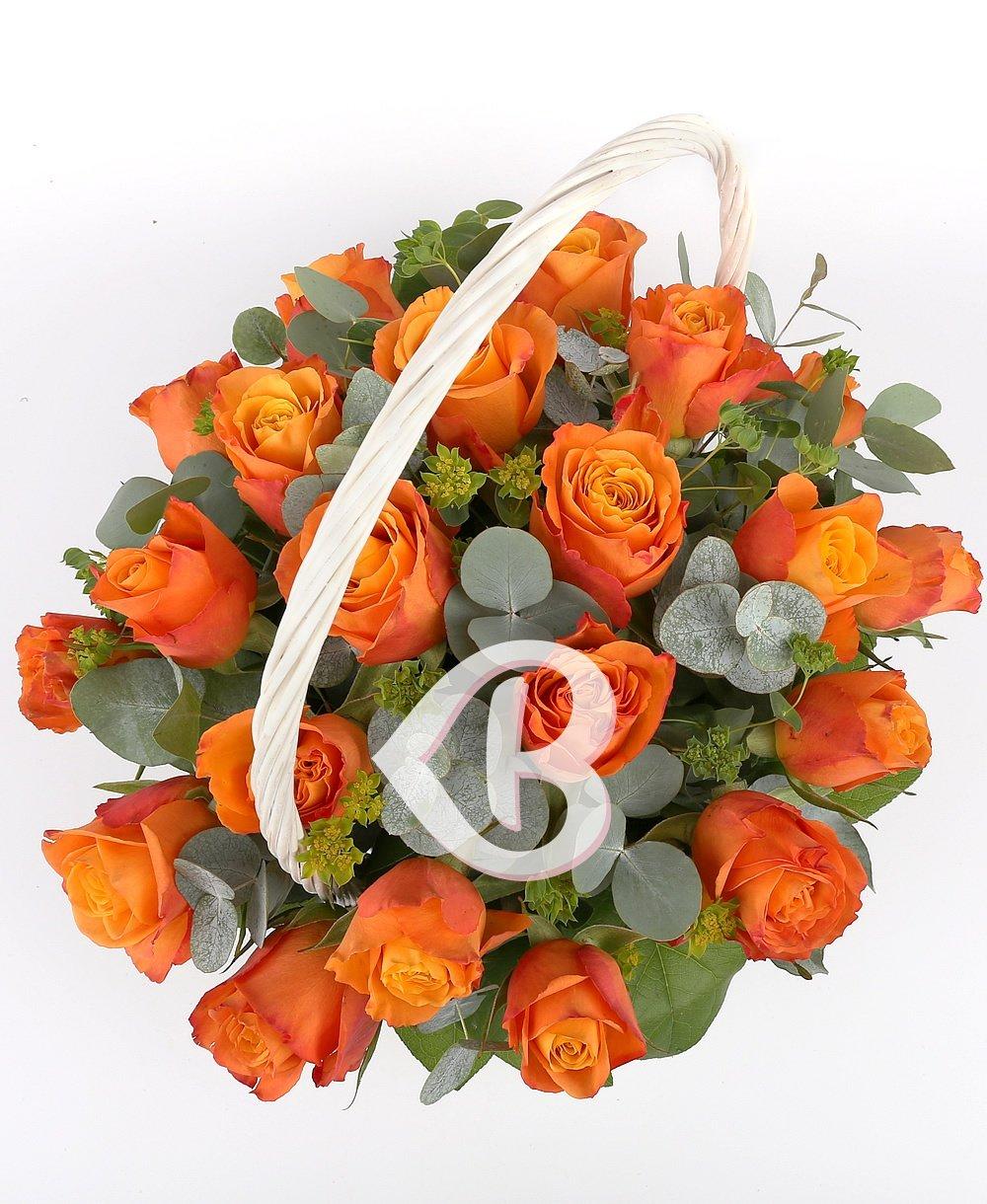 Imaginea produsului 23 Trandafiri Portocalii în Coșuleț Alb