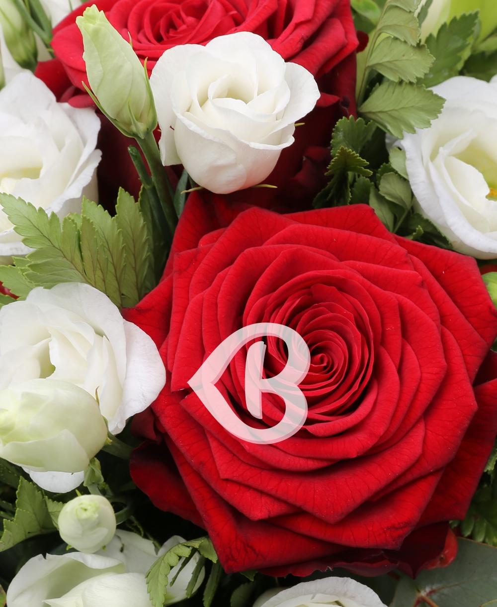 Imaginea produsului Cutie Trandafiri și Lisianthus
