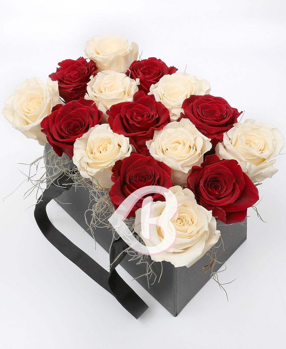Imaginea produsului 15 Trandafiri Criogenați Roșii Albi